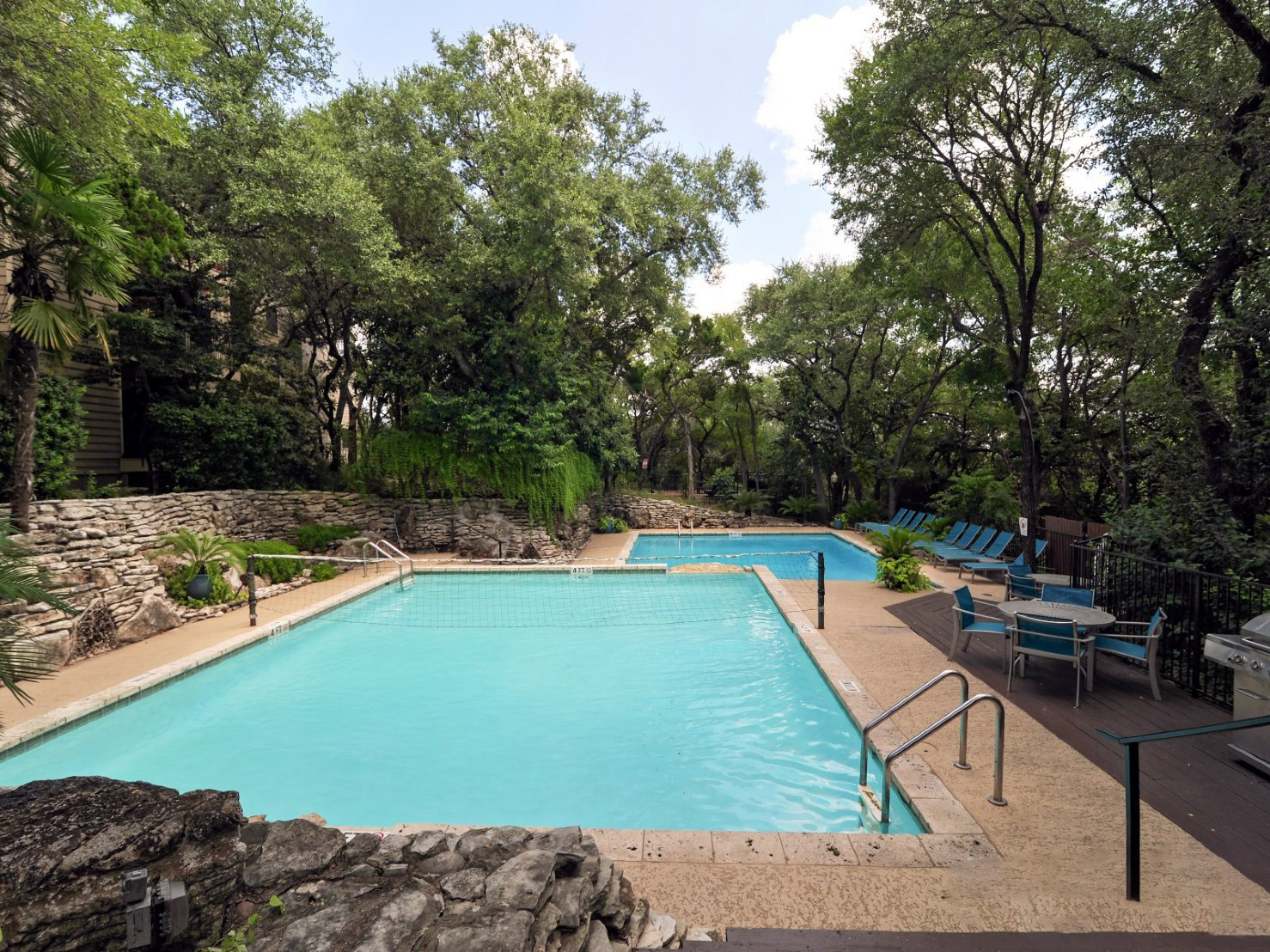 Outdoor Swimming Pool at Waters at Barton Creek Apartments in Austin, TX