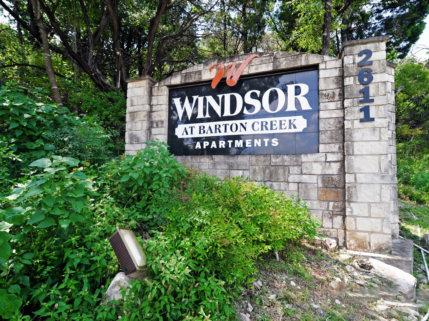 Property Sign at Windsor at Barton Creek Apartments in Austin, TX