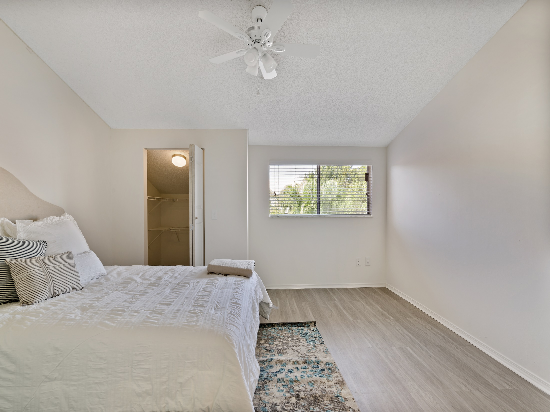 Three Bedroom Apartments at Windsor Castle Apartments in Coral Springs, Florida