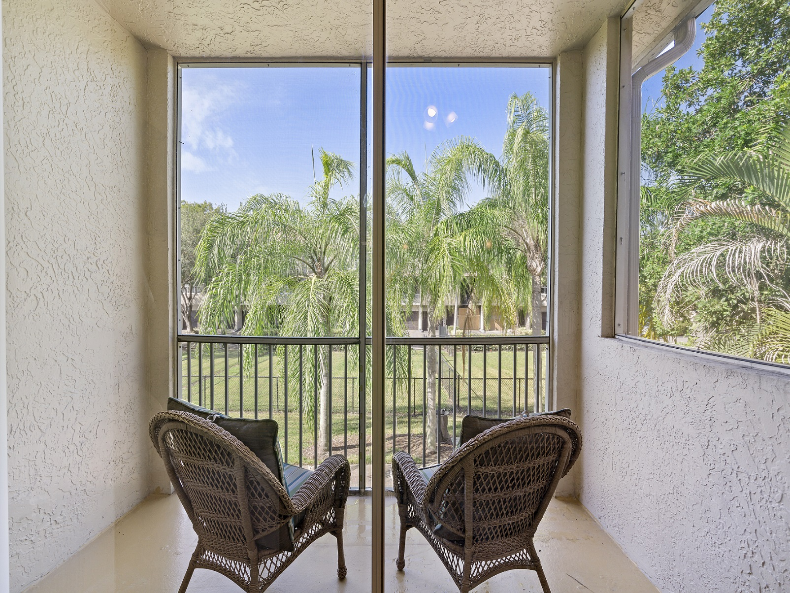 Oversized Balcony and Windsor Castle Apartments in Coral Springs, Florida