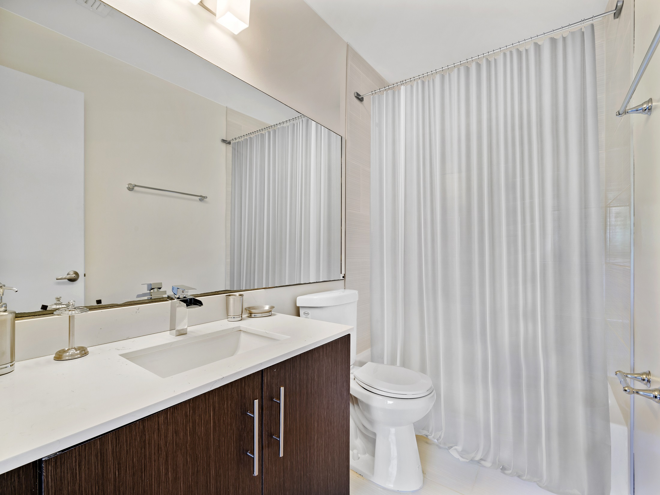 Spacious Bathroom at Windsor Castle Apartments in Coral Springs, Florida