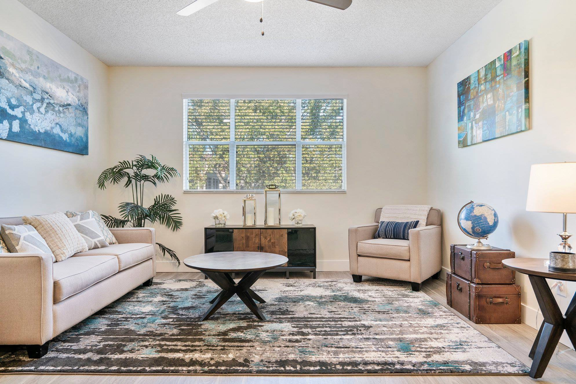 Pet-Friendly Apartments at Windsor Castle Apartments in Coral Springs, Florida