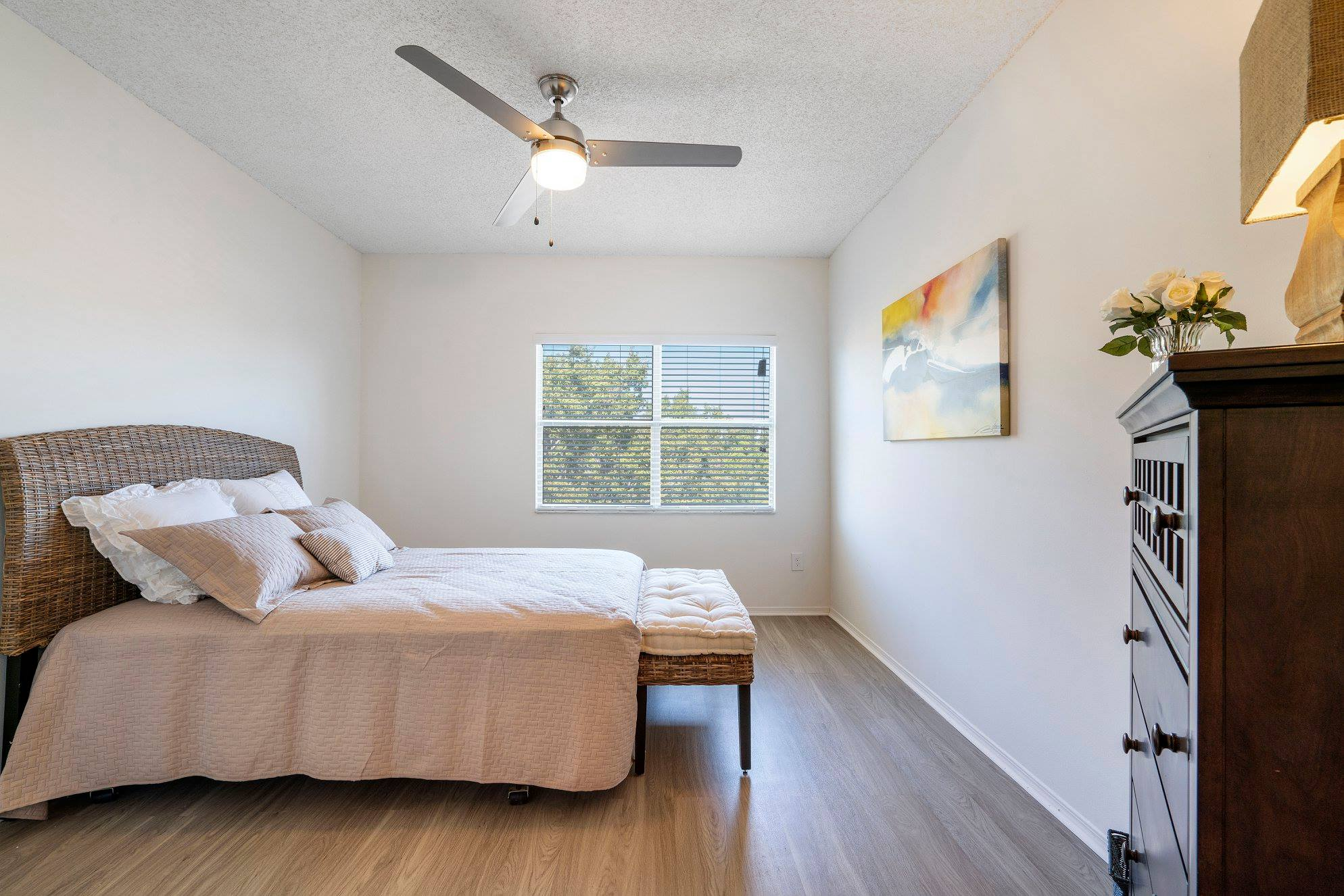 Guest Rooms Available at Windsor Castle Apartments in Coral Springs, Florida