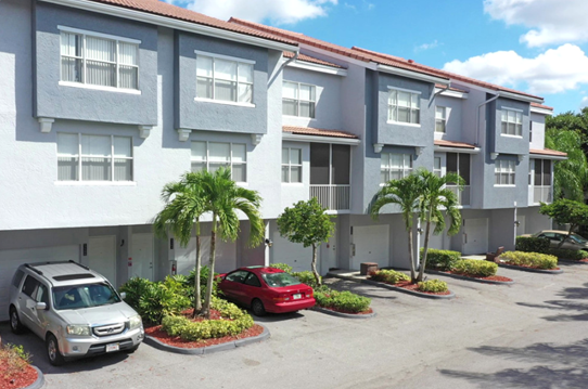 Apartments with Single Parking  at Windsor Castle Apartments in Coral Springs, Florida