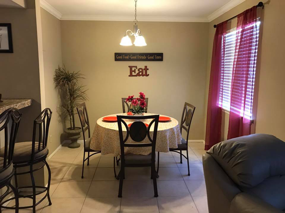 Family-Style Dining Area at Windsor Park Apartments in Victoria, Texas