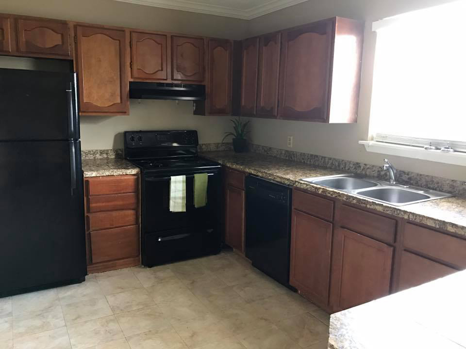 Black Kitchen Appliances at Windsor Park Apartments in Victoria, Texas