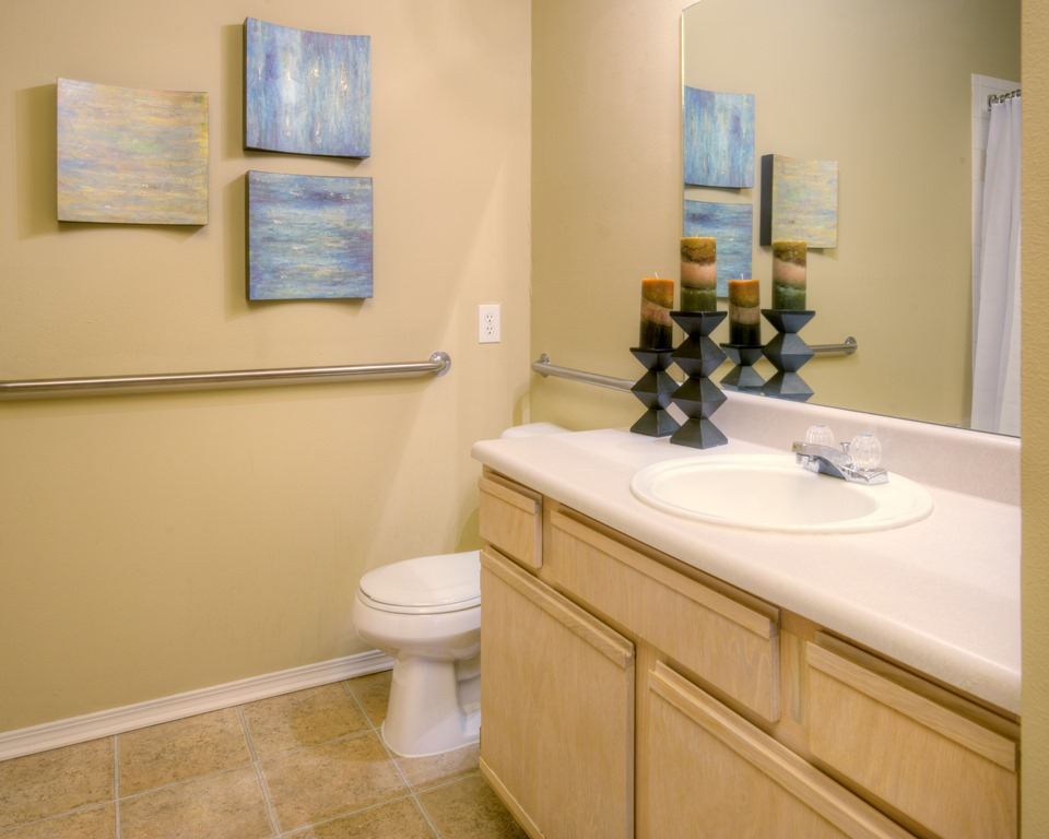 Classic Bathroom Interiors at Windward Place Apartments in Alpharetta, Georgia