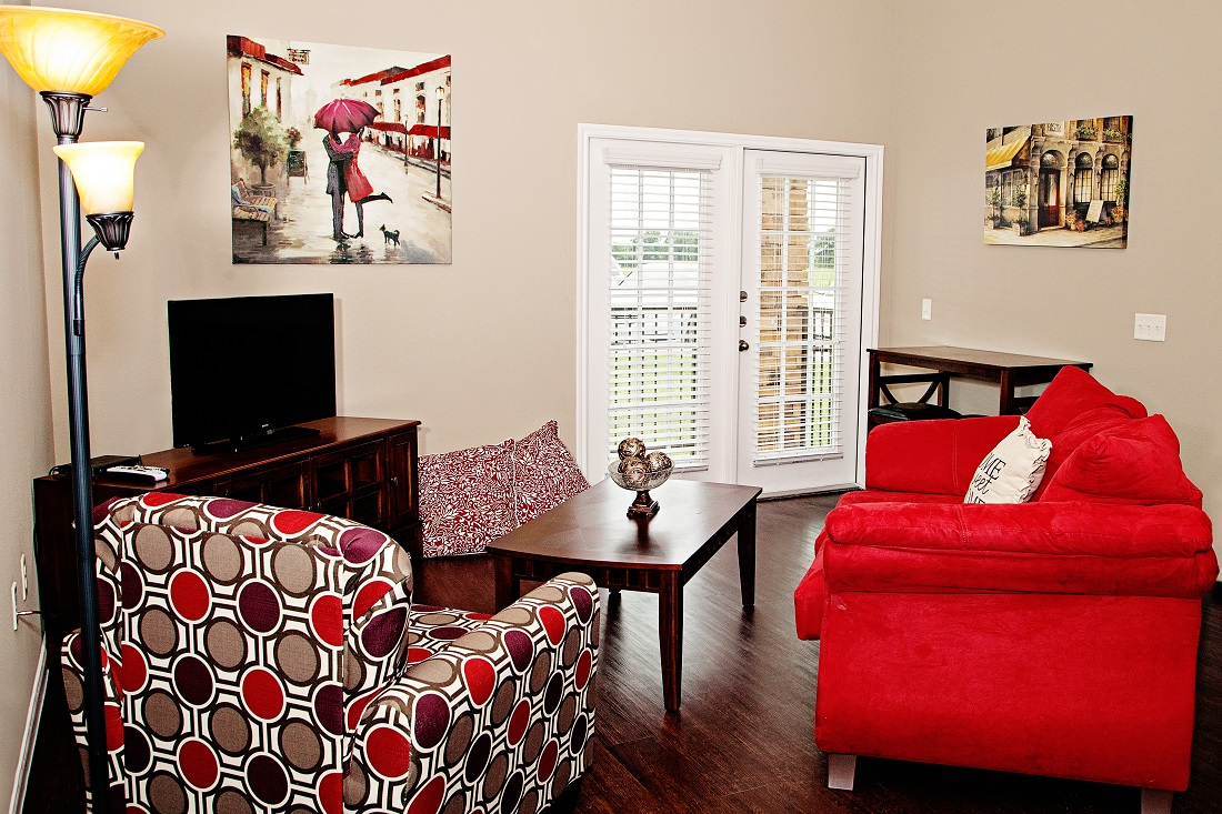 Living Room Interior at the Central Park at Winstar Village Apartments in Thackerville, OK
