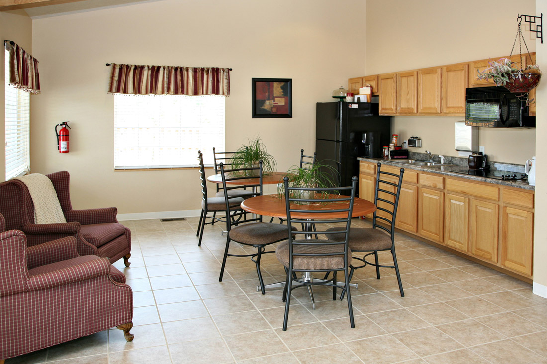 Community Kitchen at Woodbury Heights Apartments in Sioux City, IA
