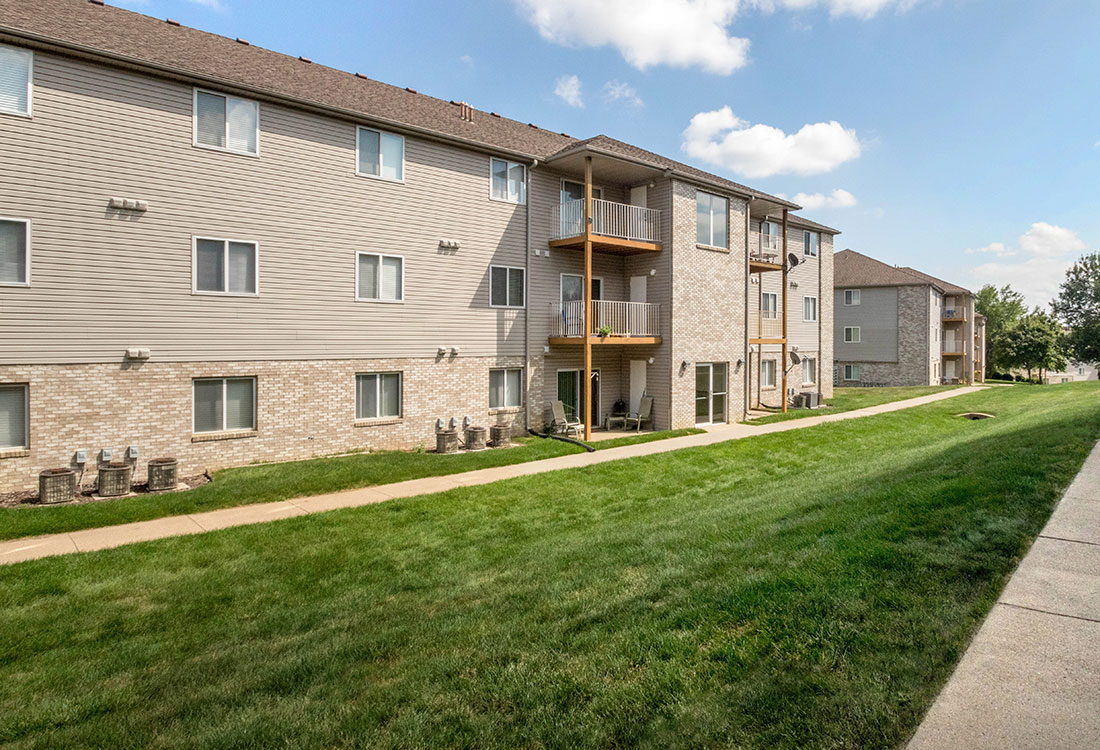 Sioux City Apartment Rentals at Woodbury Heights Apartments in Sioux City, IA