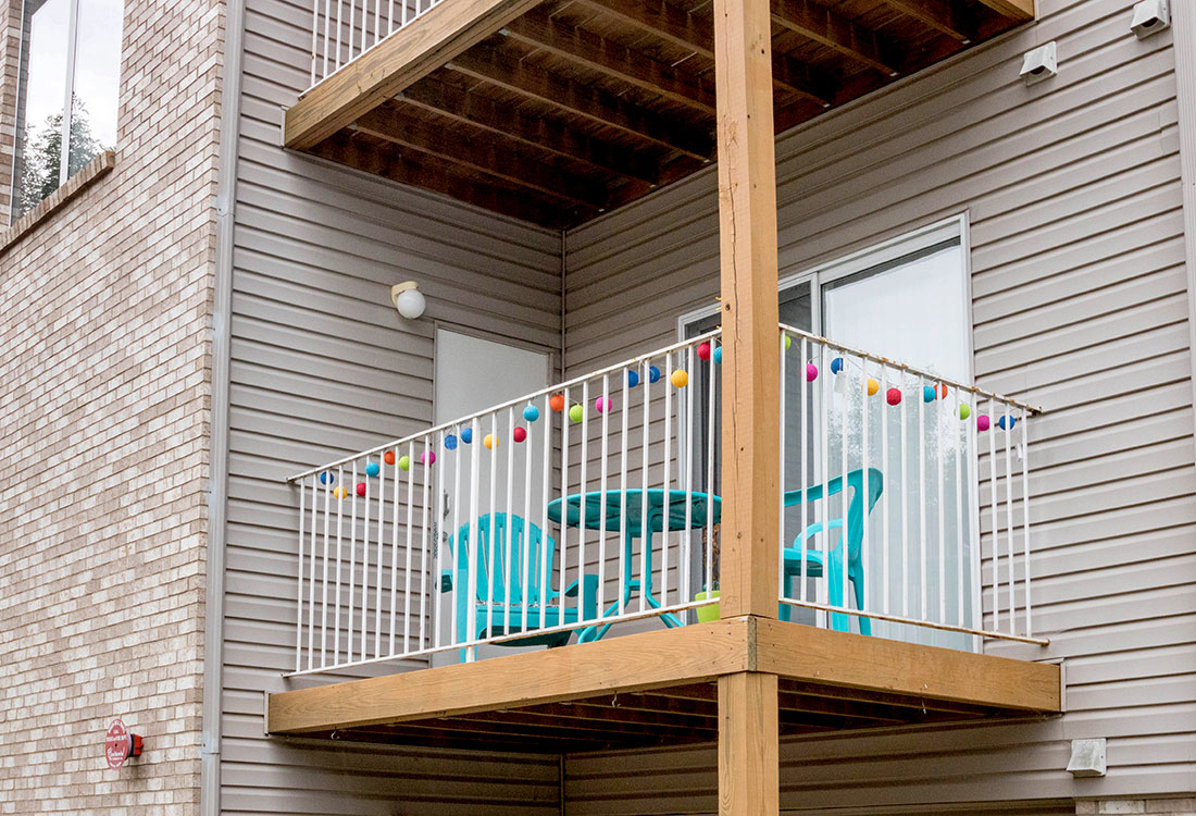 Apartment Decks Sioux City at Woodbury Heights Apartments in Sioux City, IA