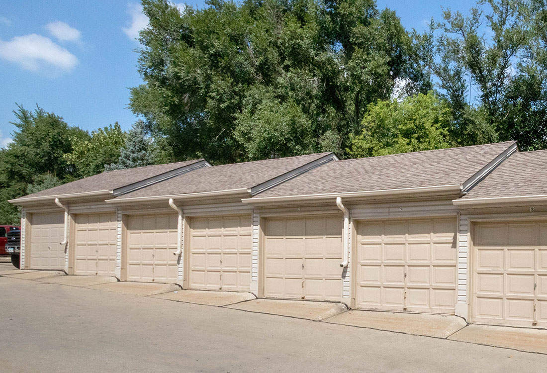 Detached Garages at Woodbury Heights Apartments in Sioux City, IA