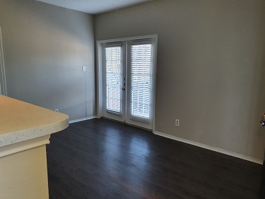 Open Living Area at The Woodlands Apartments in Fort Worth, Texas