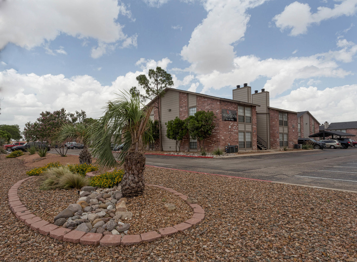Odessa Apartments for Rent at Woodlands Apartments in Odessa, Texas