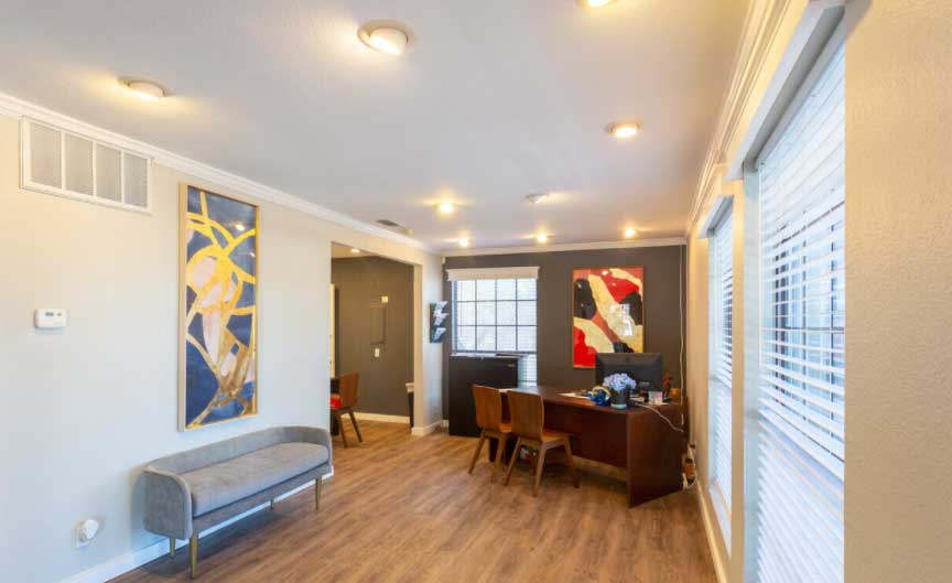Living Area at Woodlands Apartments in Odessa, Texas
