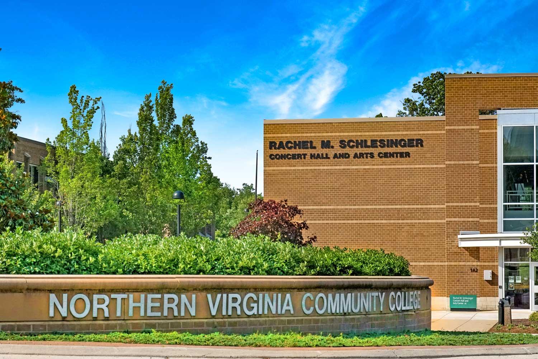 10 minutes to Northern Virginia Community College (NVCC) in Alexandria, VA