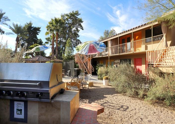 Grilling Station at Zazu Apartments in Phoenix, Arizona